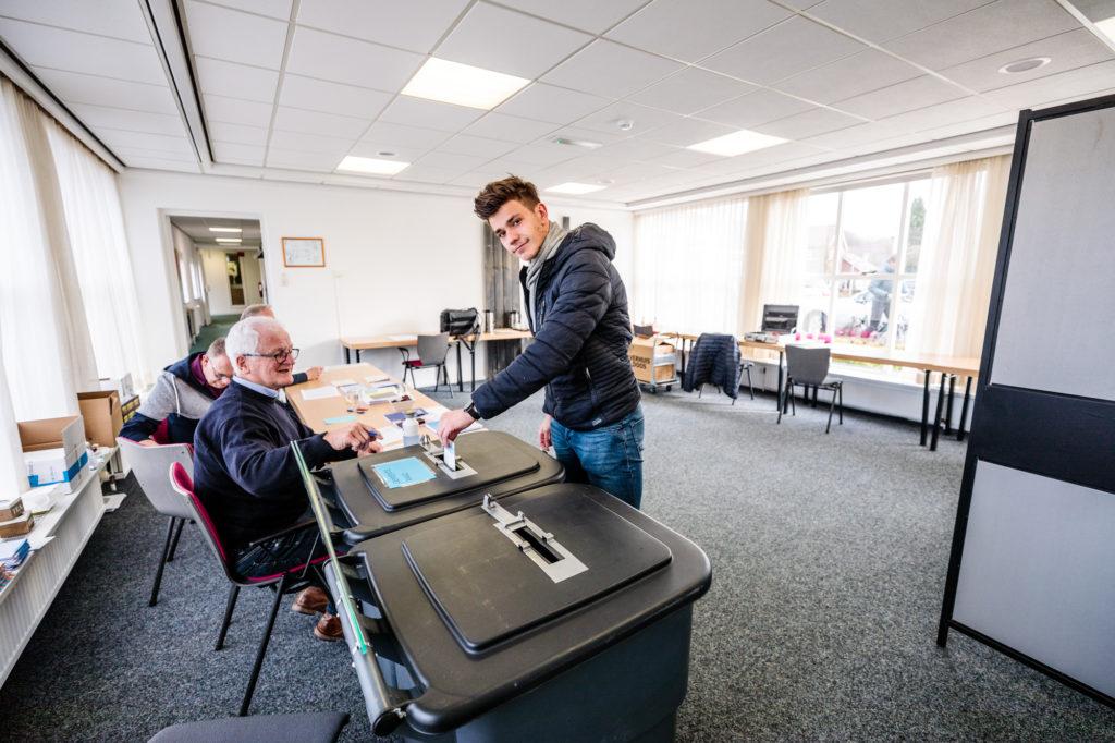 De 18-jarige Marvin Veerman stemde voor het eerst voor de gemeenteraadsverkiezingen.